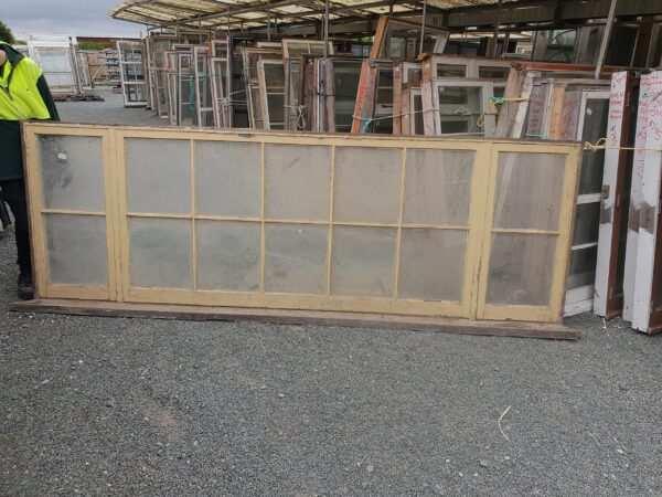 wooden_window_colonial_ext.jpg