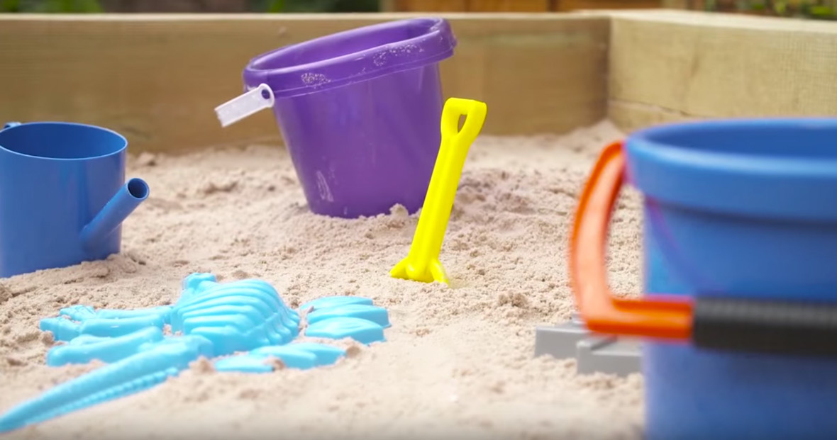 How to build a sandpit - 10