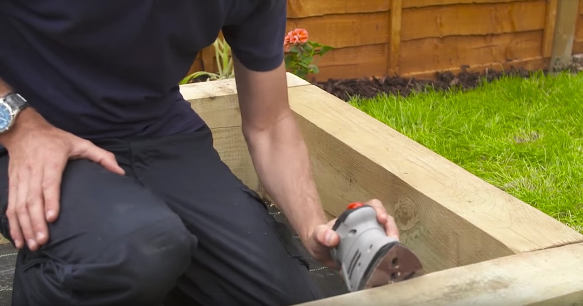 How to build a sandpit - 8