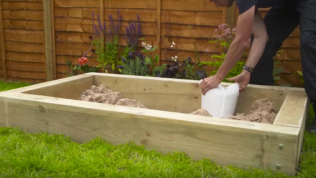 How to build a sandpit in 8 simple steps