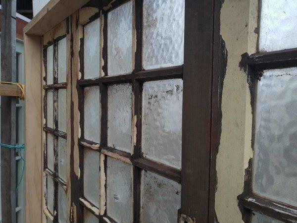 20190722-83930_bifold_colonial_door_close_up_glass.jpg