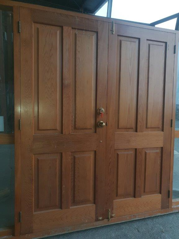 20200612-89241_cedar_french_doors_with_sidelight_int_close_up_2_002_-2.png