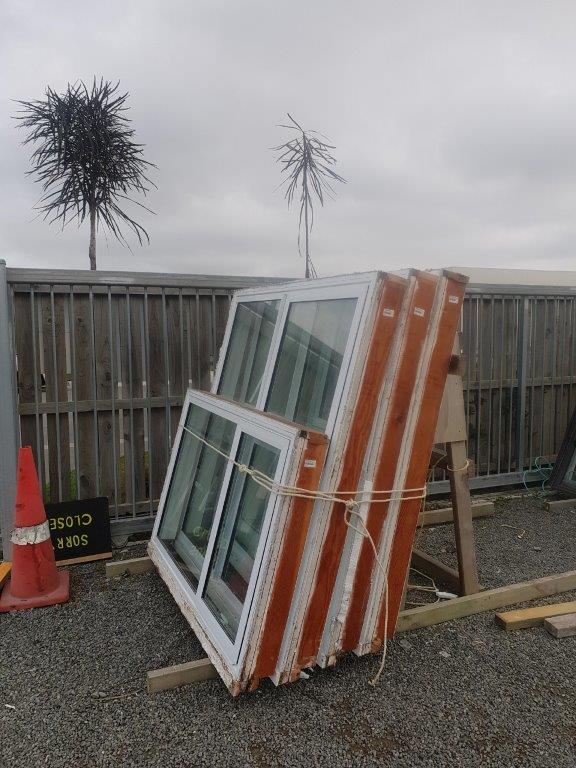 20200731-29372 White DG window Houselot photo B (002)