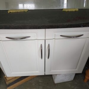 89161 Kitchen Unit Black Granite Top