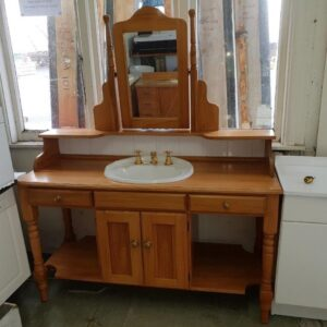 90569 Rimu Vanity and mirror front