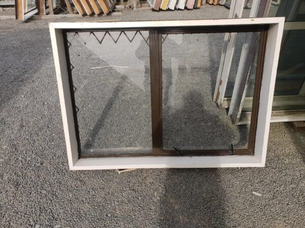 90793 Brown Alloy Window A int