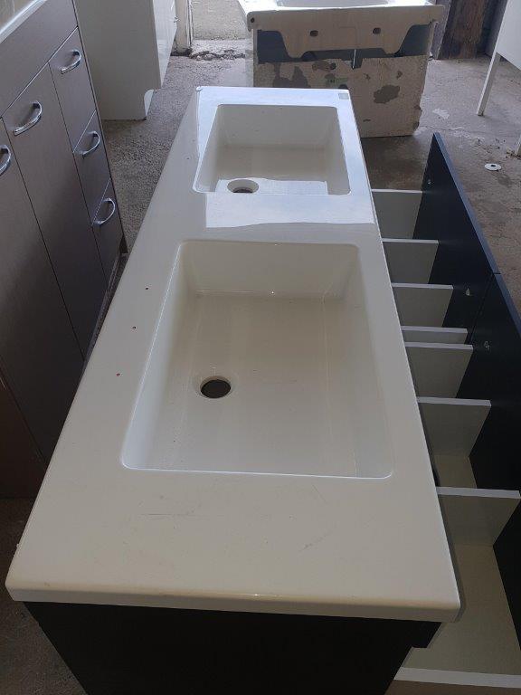 90829 Woodgrain Dual Sink Vanity top end view