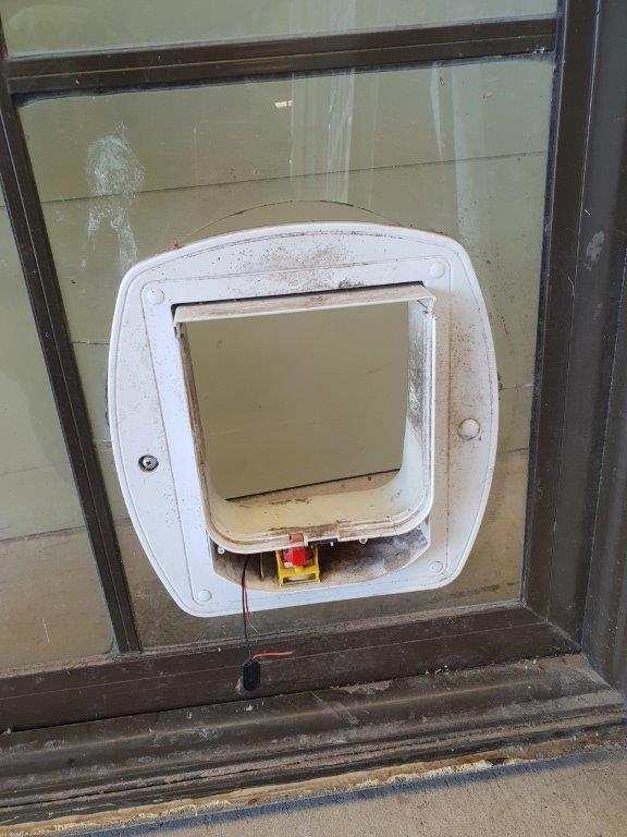 90844 Brown Alloy Door int cat door close up
