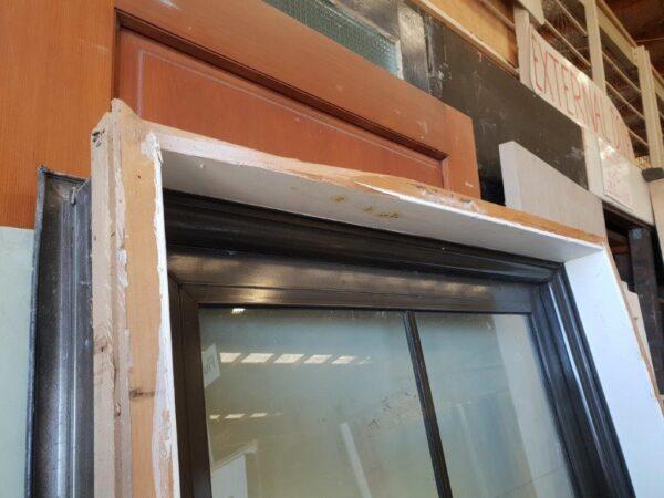 90844 Brown Aluminium Door int top reveal close up
