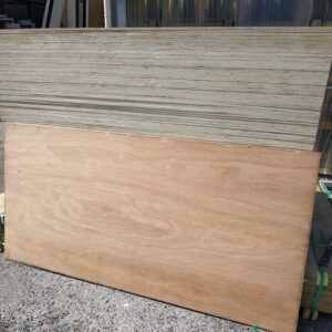90890 Plywood New Red Olive