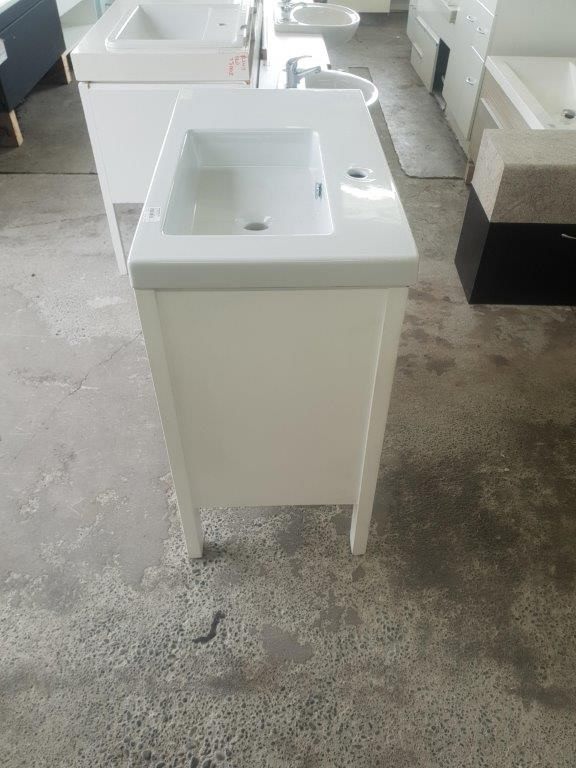 91230 White Vanity T+G look top and right side