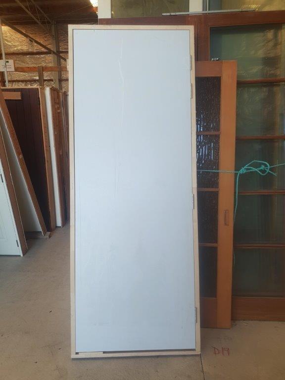 91235 Tall Solid Core Door exterior