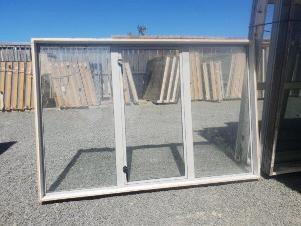91361 Sandstone window int