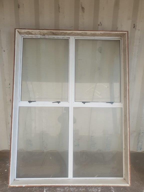 91866 White alloy window int