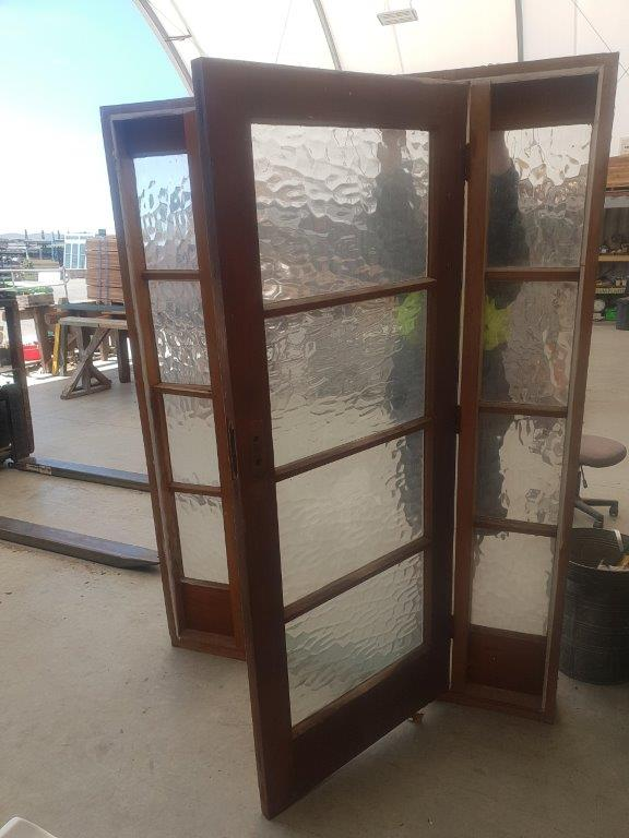91868 Door with sidelight int opened B