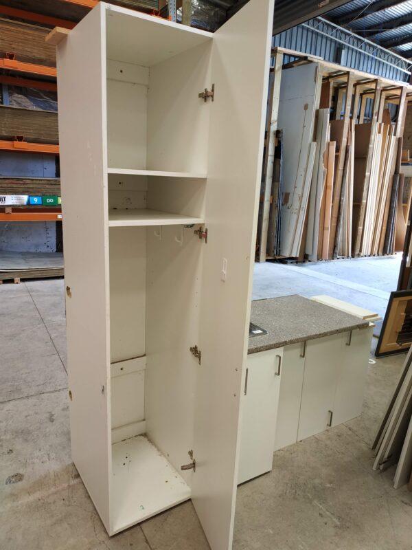 91881 Laundry Cupboard