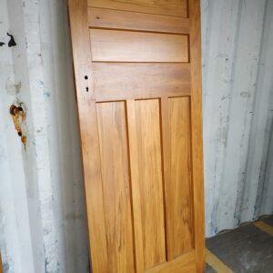 92121 Internal Rimu 5 Panel Door