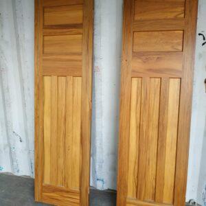 92122 Int Rimu Door