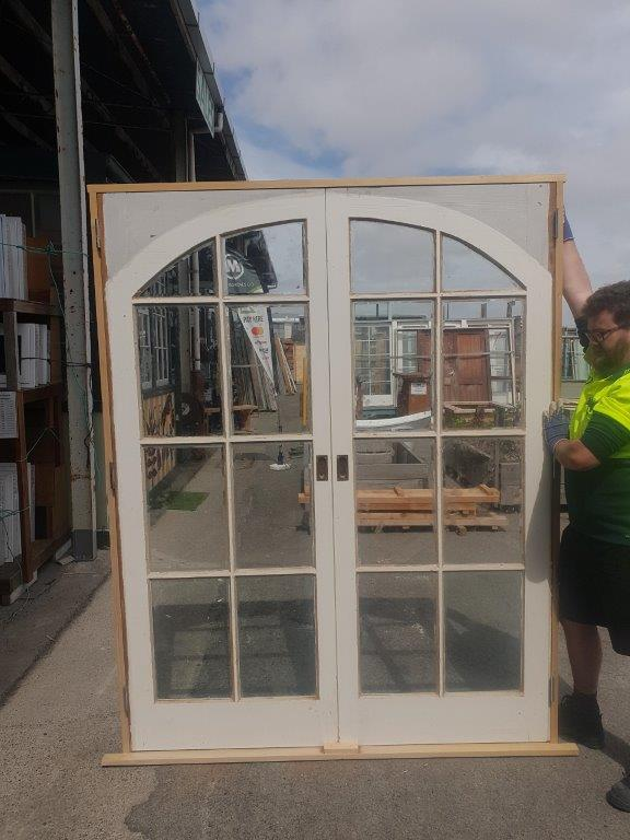 91627 8 Pane Colonial French Door Arched ext