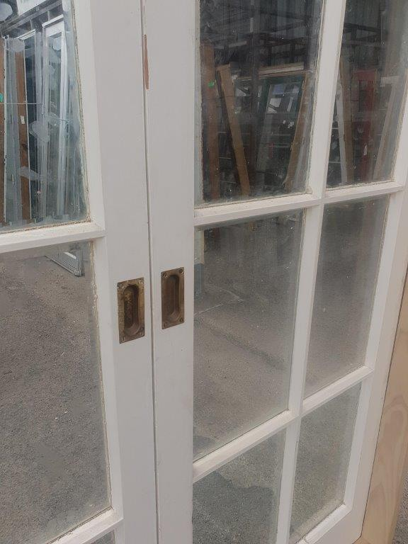 91627 8 Pane Colonial French Door Arched int close up handle