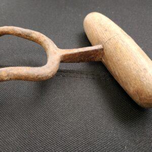 93156 Wool Bale Hook Side On