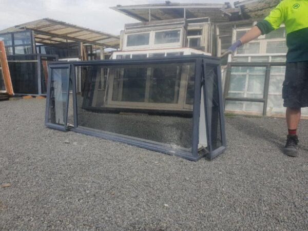 93657 Denim Blue Single Glazed Corner Window ext opened
