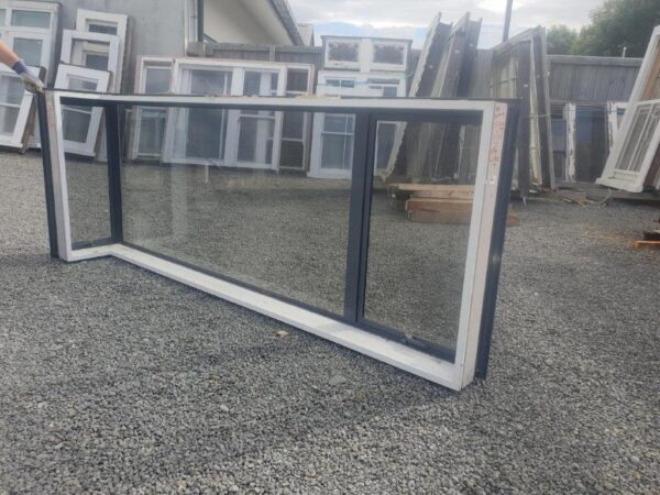 93657 Denim Blue Single Glazed Corner Window int