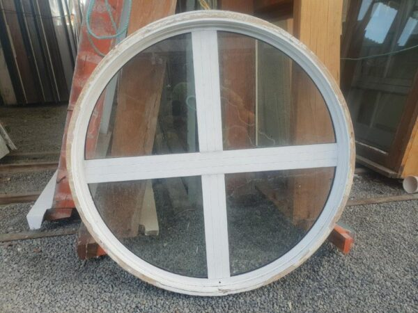 93671 White Aluminium Round Window int