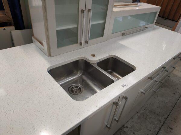 94374 Kitchen Sink Bench 2690wx920d