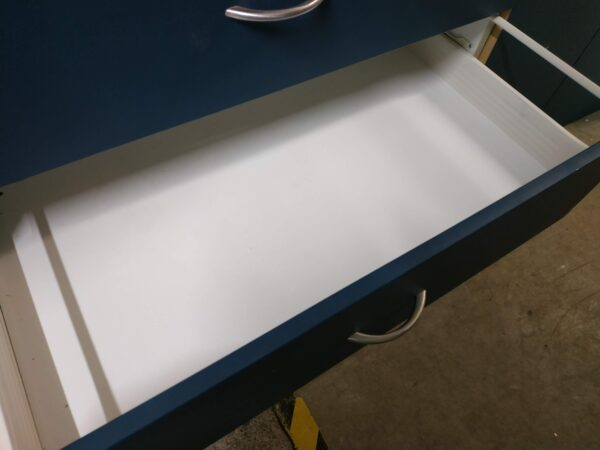 94646-Blue Middle Drawer Open