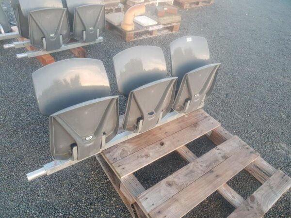 94675 Connected Outdoor Stadium 3 Seater closed front