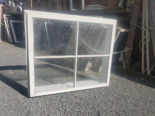 96131 Wooden Colonial Window ext
