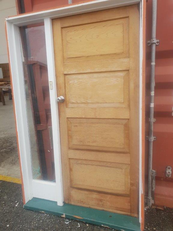 96279 Cedar 4 Panel Door with Sidelight ext